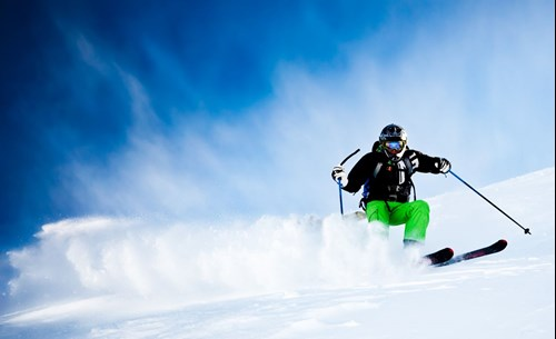 1014059-man-s-skiing-2.jpg